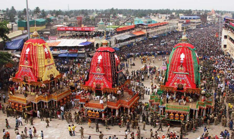 Puri – 10 Best Tourist Places to Visit; Rath Yatra, Beach & Lakes